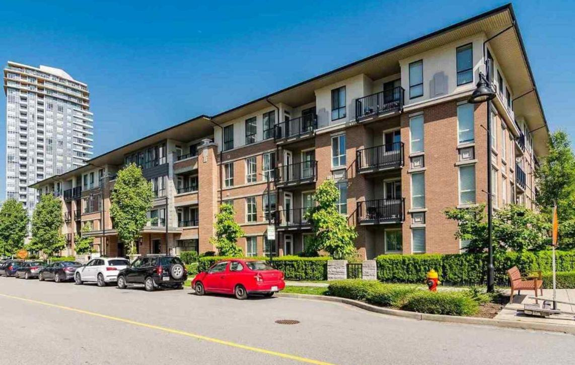 111 - 3107 Windsor Gate, New Horizons, Coquitlam